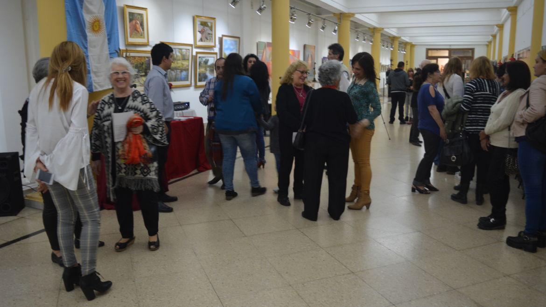 """""""Entre Amigos"""", muestra colectiva de pinturas  …"""